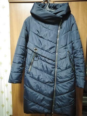 Продаю женскую, зимнюю куртку - пальто.