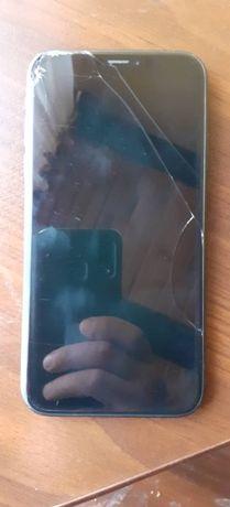 Iphone xr 64 gb uszkodzony