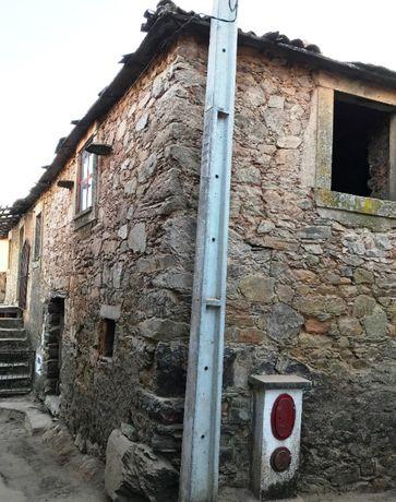 Casa em aldeia de montanha - em reabilitação