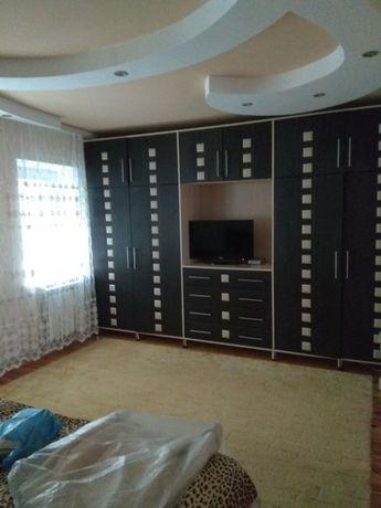 Продам дом с мебелью в центре города Барвенково.