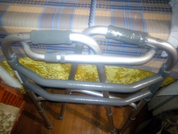 Ходунки для инвалидов переставные
