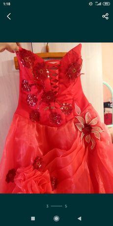Продам платье,пышное