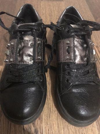 Кроссовки ботинки кеды 36р