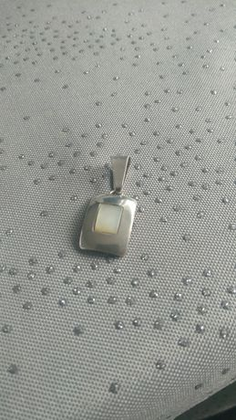 Zawieszka srebrna z masą perłową