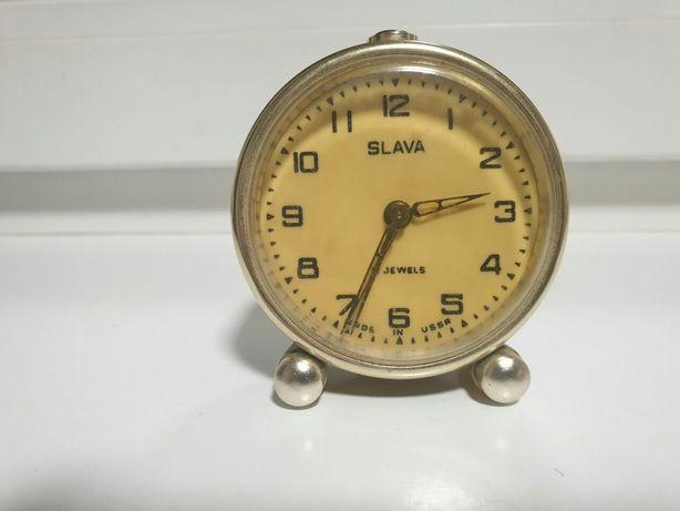 Часы будильник настольный Слава Slava 1965 г. СССР