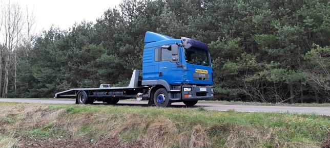 Transport maszyn rolniczych budowlanych ciągników Laweta pomoc