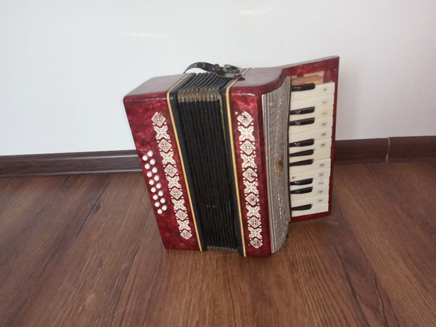 Akordeon harmonia Małysz 16 bas+futerał