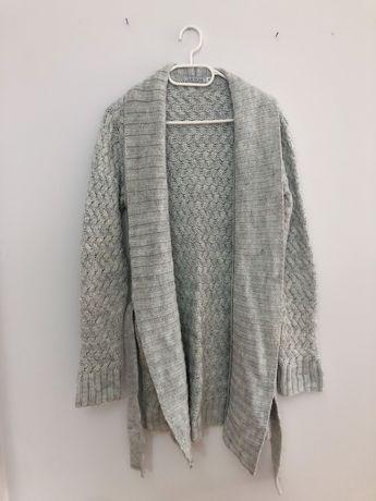 Długi szary swetere sweterek z paskiem Quiosque 40 L