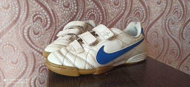 Кроссовки Nike 28 размер