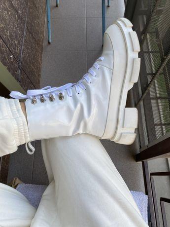 Ботинки белые Lost General