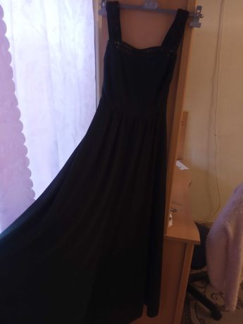 Женское платье темно зелено цвета