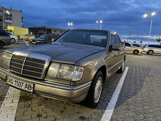 Mersedes-benz E200 (124)