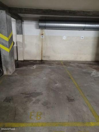 Lugar de Garagem em Oliveira do Douro