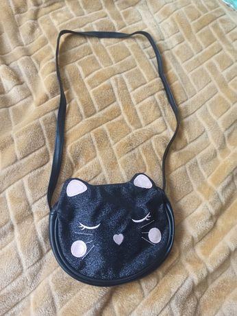 Czarna, brokatowa torebka kotek