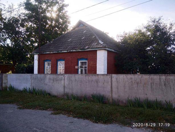 Продам будинок в центрі міста