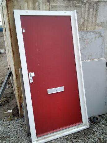 Drzwi 90 zewnętrzne lewe 203x92 metalowe zawiasy zamki klamki futryna
