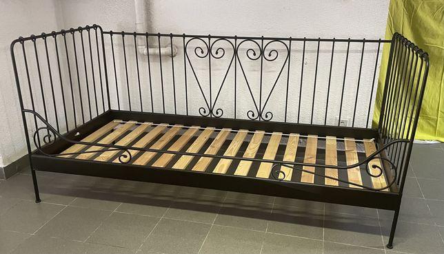 Cama solteiro em ferro IKEA