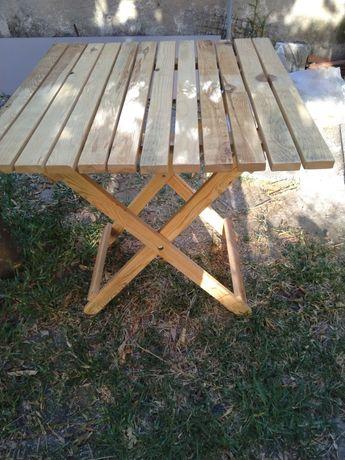Para poder desfrutar, mesa dobrável em madeira