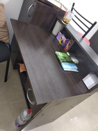 Продам письменный стол !цена снижена!