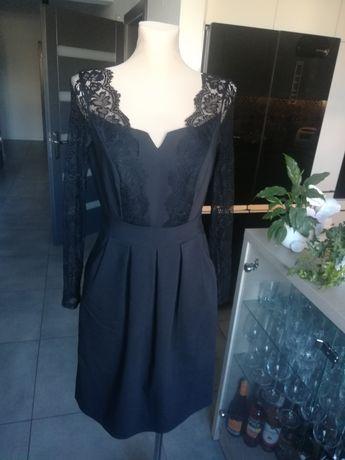 R. 34 36 śliczna czarna sukienka z koronką