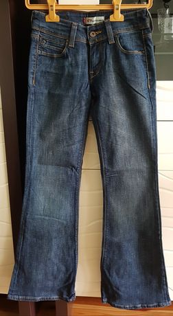 Levis 479 BOOTY FLARE FIT 26x32