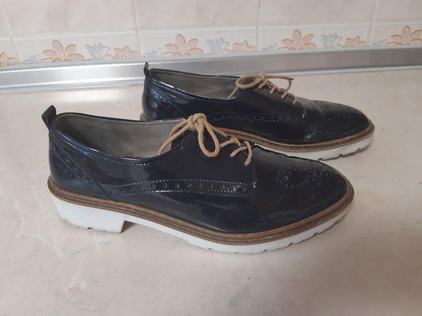 Туфли оксфорды на шнуровке. разм.39