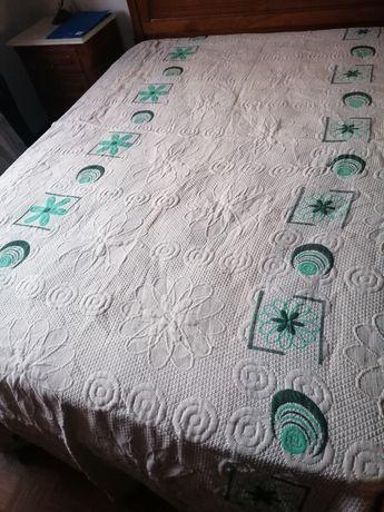 Vende colchas para cama de casal