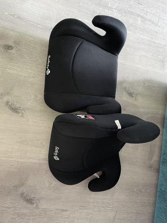 2 cadeiras de crianca