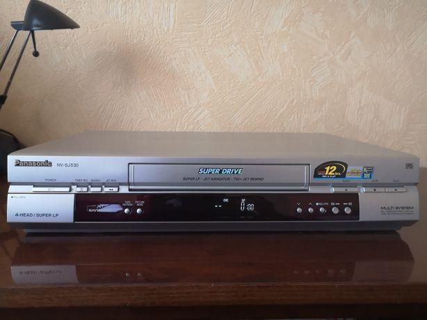 VHS видеомагнитофон Panasonic