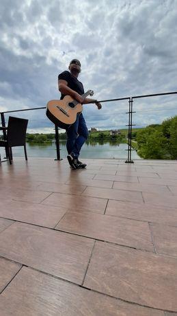 Уроки гри на гітарі для дітей та дорослих)від 9 до 99)Онлайн-Офлайн