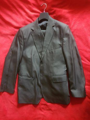 Czarny garnitur marynarka spodnie kamizelka Wel-tex 188/112/98 w paski
