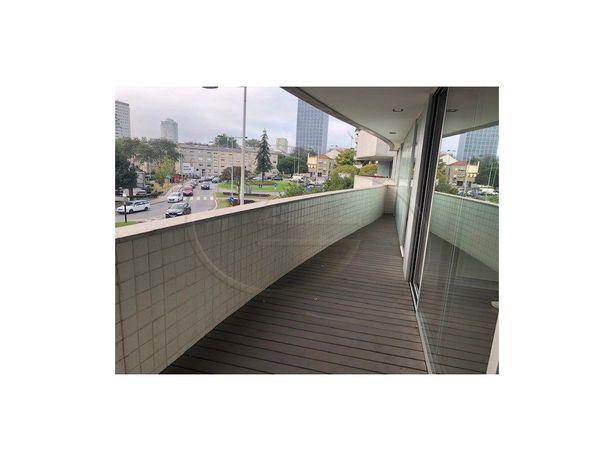 T2 Luxo Campo Alegre/Boavista para alugar