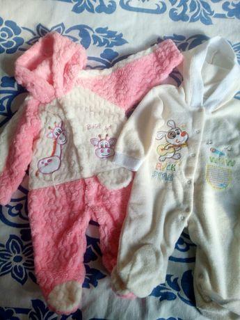Комбинезоны, теплые человечки на девочку 3-9 месяцев.