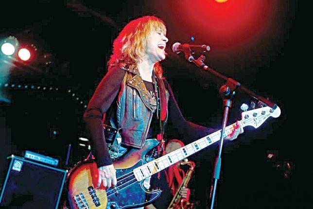 Рок-гурт шукає бас-гітаристку