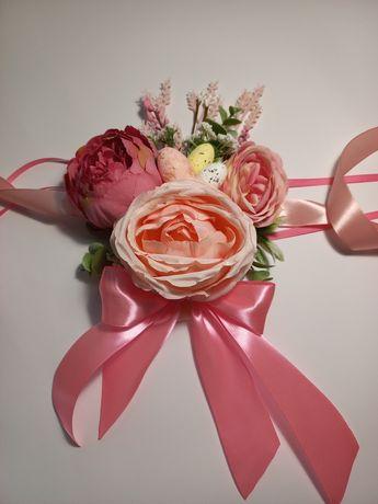 Квіти на кошик, прикраси на Пасху