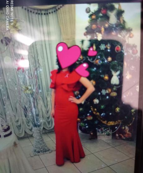 Плаття червоне на випускний