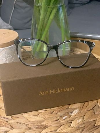 Oprawki Anna Hickmann