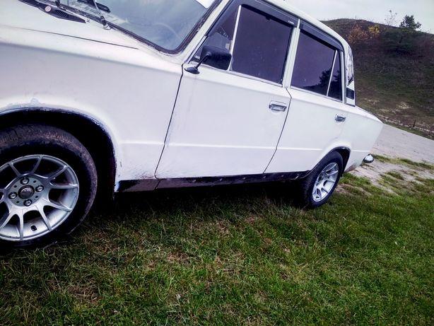 Автомобіль Ваз 21011 1985р
