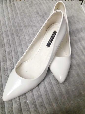Buty szpilki ślubne białe bardzo wygodne 39