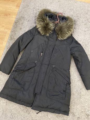 Продам очень теплую парку куртка пуховик натуральный мех чернобурка