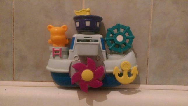 Игрушка для ванной на присосках.