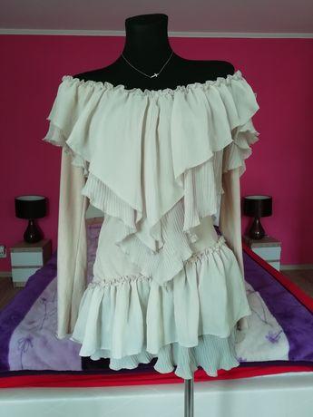 Sukienka hiszpanka falbany tiulowe plis odkryte ramiona asymetryczna