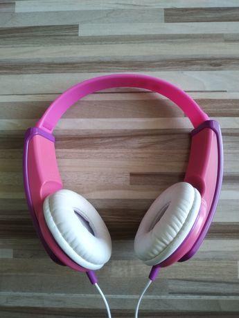 Słuchawki dziecięce JVC HA-KD5 dla dziewczynki.