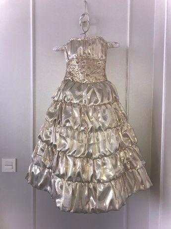 Шикарное длинное бальное платье на выпускной 6-8 лет.
