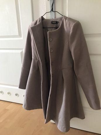Beżowy płaszcz nowy z metka