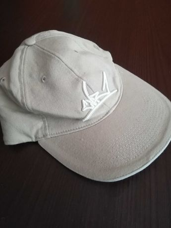 Hip-hopowa czapka z daszkiem CVR