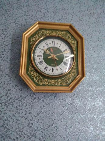 Продам часы кварц СССР раритет
