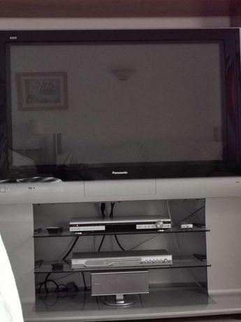 Vendo TV Plasma Panasonic com Móvel incorporado.