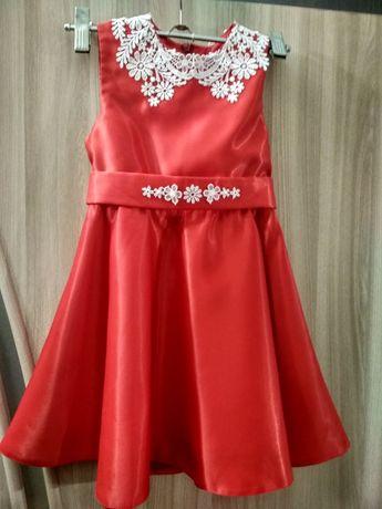Нарядное платье для девочки 3-4