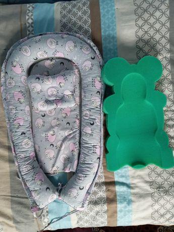 Кокон гнёздышко и паралоновый мишка для купания